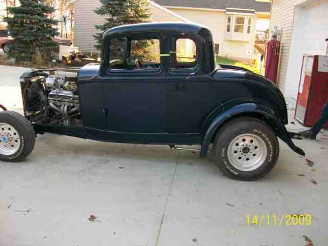 1932 Ford Coupe 40